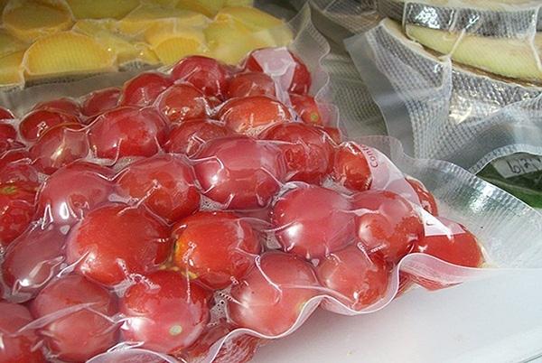 thói quen bọc thực phẩm bằng túi ni lông ném để vào tủ lạnh