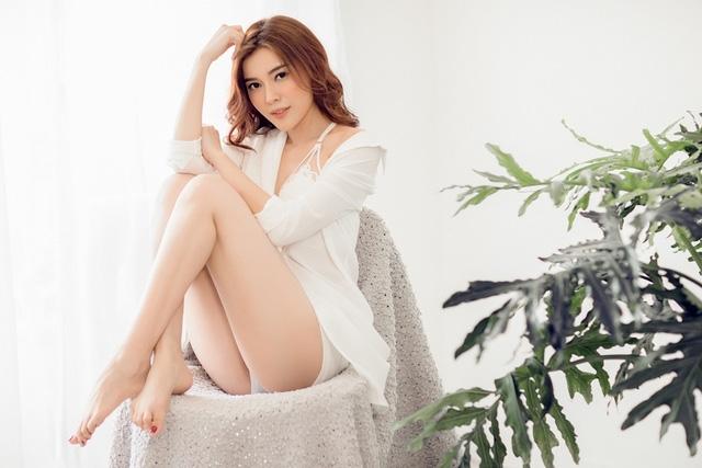 Để có sắc vóc hiện tại, Cao Thái Hà dành một tháng nghỉ diễn xuất để ăn kiêng, chạy bộ và tập gym. Thành quả hiện tại là động lực cho người đẹp tiếp tục hoàn thiện sắc vóc.