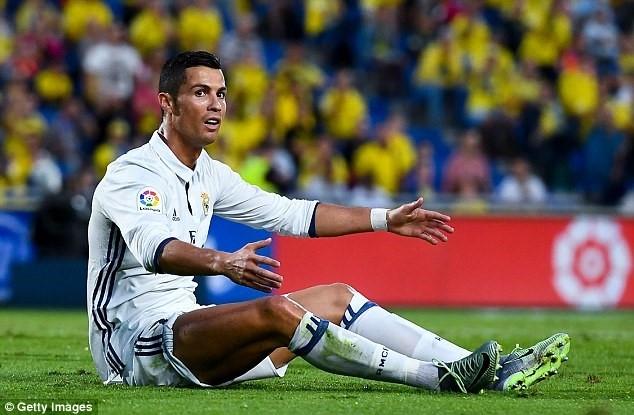 Ronaldo chao don 'thanh vien moi' cua gia dinh hinh anh 5
