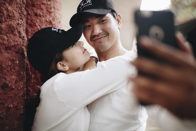Ảnh cưới hài hước của Khánh Hiền và hôn phu Việt kiều