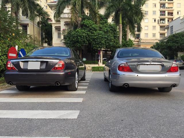 Theo giới thạo tin, những chiếc Jaguar S-Type xuất hiện tại Việt Nam có hai động cơ chính là V6, dung tích 3.0 lít, sản sinh công suất tối đa 243 mã lực và mô-men xoắn cực đại 293 Nm. Kết hợp cùng hộp số sàn 5 cấp hoặc hộp số tự động 6 cấp, động cơ cho phép Jaguar S-Type mất khoảng 6,9 giây để tăng tốc từ 0-100 km/h trước khi đạt tốc độ tối đa 250 km/h.