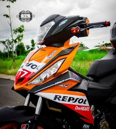 Honda Winner 150 doc dao voi ban Repsol
