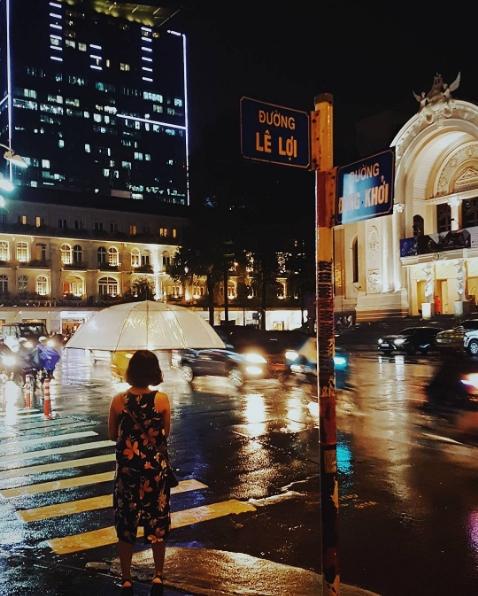 Những hình ảnh khó quên với người Sài Gòn trong trận mưa lịch sử ngày 26/9 - Ảnh 4.