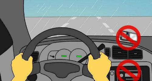 Những nguyên tắc lái ôtô an toàn trong mưa bão - 1