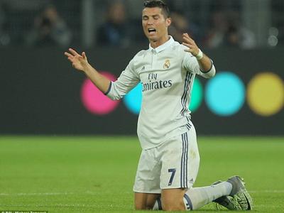 Ronaldo có thể bị treo giò 3 trận