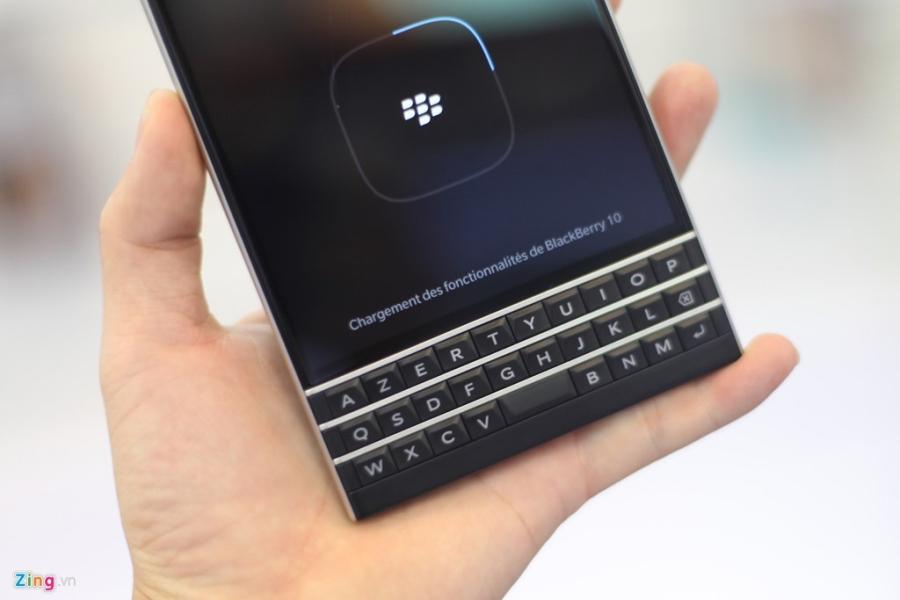 Dap hop BlackBerry Passport gia 5,8 trieu vua ve VN hinh anh 6