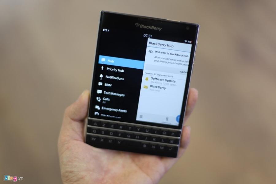 Dap hop BlackBerry Passport gia 5,8 trieu vua ve VN hinh anh 7