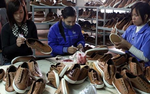 Image result for EC vẫn áp thuế chống bán phá giá giày mũ da từ Việt Nam