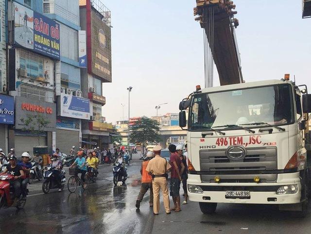 Lực lượng CSGT số 7 có mặt tại hiện trường để xử lý vụ việc.