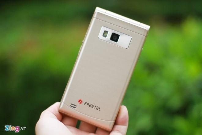 Smartphone Nhat co 2 man hinh, nap gap sap ban tai VN hinh anh 8