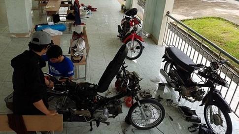 Xe máy 'chết chìm' ở KTX, sinh viên được hỗ trợ... 60.000 đồng sửa xe - ảnh 5