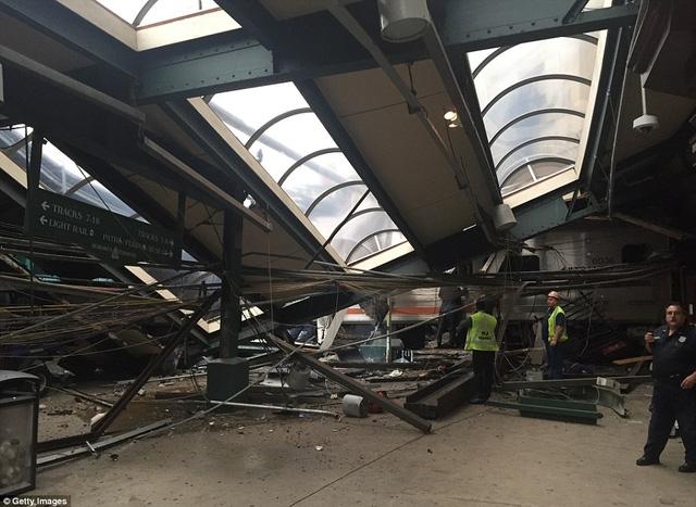 Vụ tai nạn đã khiến ít nhất 3 người chết và hơn 100 người bị thương.