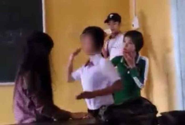 Xôn xao clip cô gái bị đánh ghen, lột đồ ở Phố Nối - Hưng Yên - Ảnh 3.