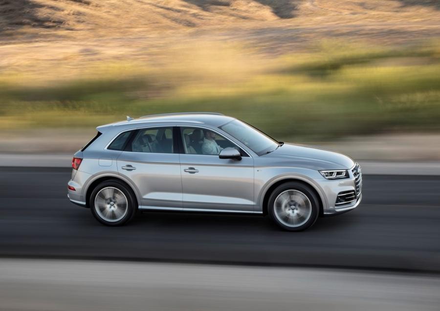 Audi Q5 2017 dang the thao hon, gia tu 50.000 USD hinh anh 9