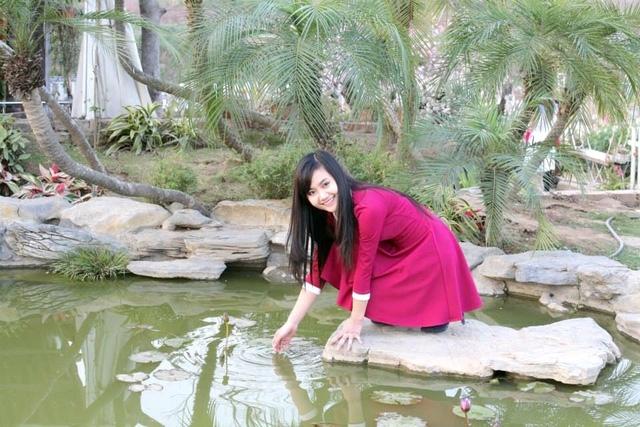 Thay vì ở lại Hà Nội với điều kiện tốt hơn, Trang vẫn quyết tâm về quê hương dạy học.