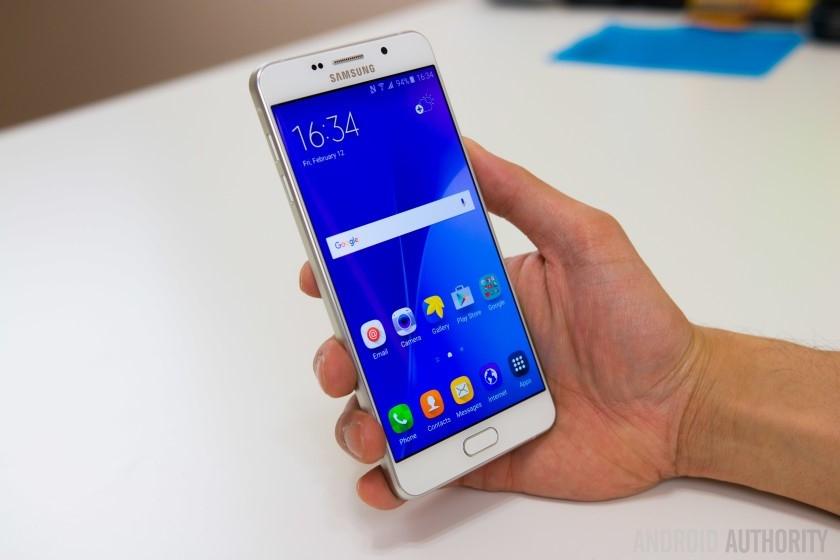 9 smartphone xach tay dat khach moi ve Viet Nam hinh anh 5