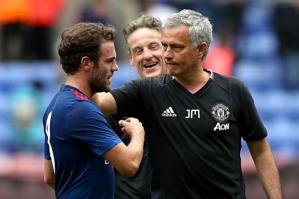 Juan Mata không có mâu thuẫn với HLV Mourinho