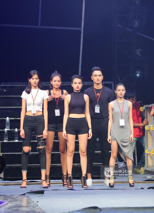 Những hình ảnh đầu tiên về sân khấu và top 18 đang tập Chung kết Next Top Model! - Ảnh 6.