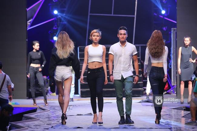 Những hình ảnh đầu tiên về sân khấu và top 18 đang tập Chung kết Next Top Model! - Ảnh 11.