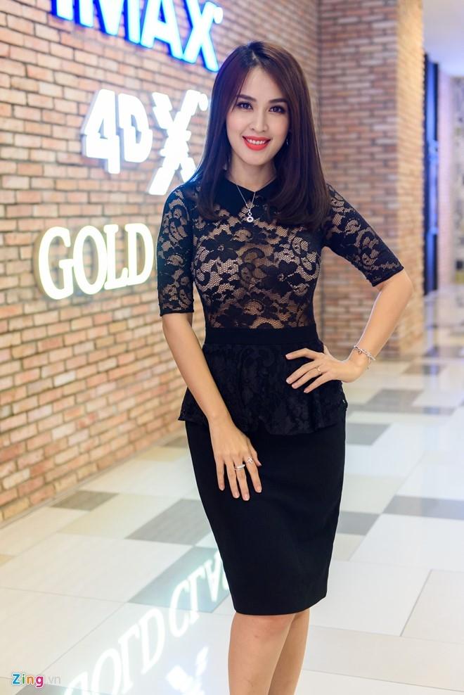 Sao Viet tap nap tren tham do Lien hoan phim Thai Lan hinh anh 2