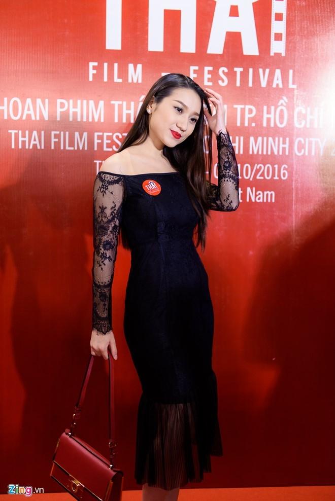 Sao Viet tap nap tren tham do Lien hoan phim Thai Lan hinh anh 12