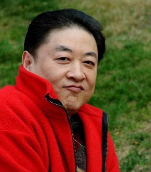 Lại thêm một nam diễn viên Hoa ngữ khốn khổ vì vợ ngoại tình, rắp tâm lừa hết gia sản - Ảnh 1.