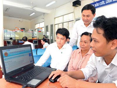 TP.HCM triển khai thủ tục nhà đất trực tuyến: Một cửa qua mạng