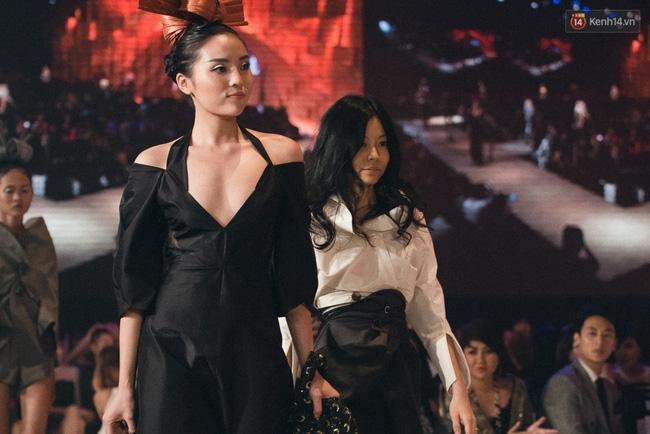Chẳng ai có thể ngờ Hoa hậu Kỳ Duyên xuất hiện trên sàn catwalk Elle Show 2016! - Ảnh 5.