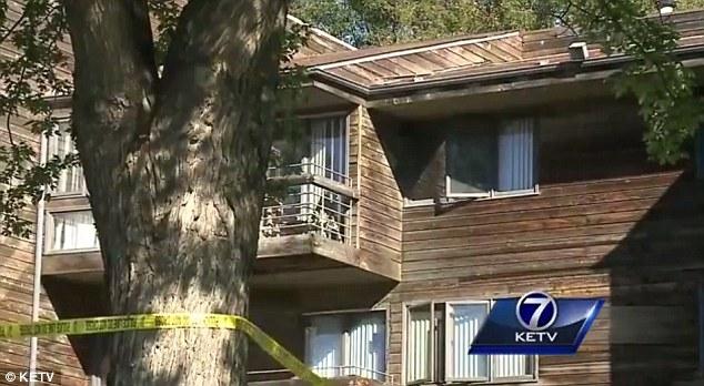 Thiếu nữ 16 tuổi sinh con trong phòng ngủ rồi ném con qua cửa sổ - Ảnh 1.