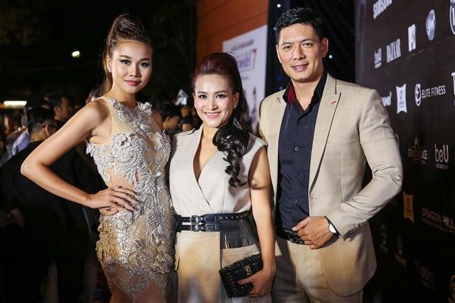 Hoang Thuy Linh du xa don tren san khau Next Top Model hinh anh 5