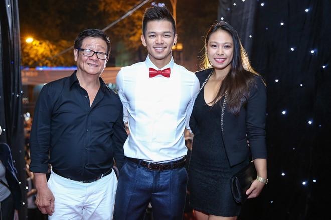 Hoang Thuy Linh du xa don tren san khau Next Top Model hinh anh 12