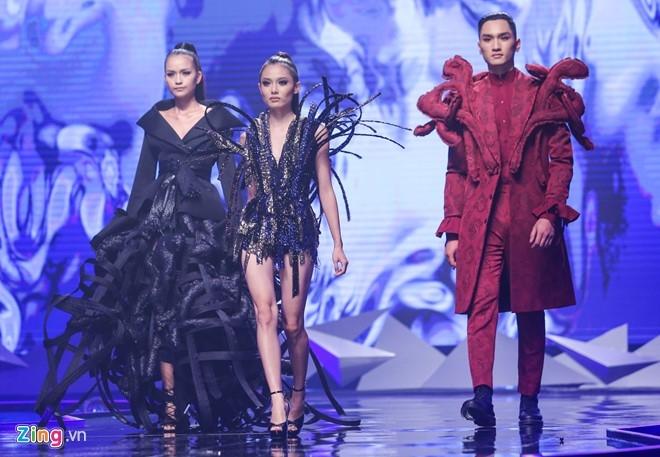 Man catwalk bi che tham hoa o chung ket Next Top Model hinh anh 12