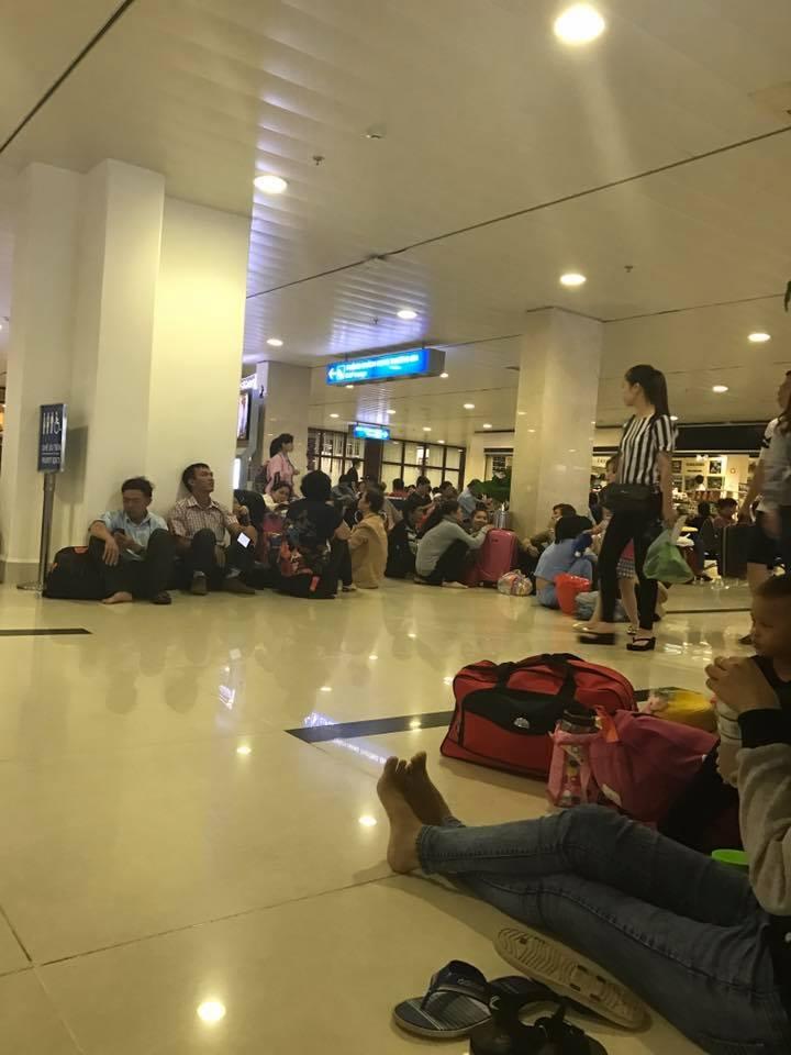 sân bay Tân Sơn Nhất, sân bay Tân Sơn nhất ngập nặng, máy bay không hạ cánh
