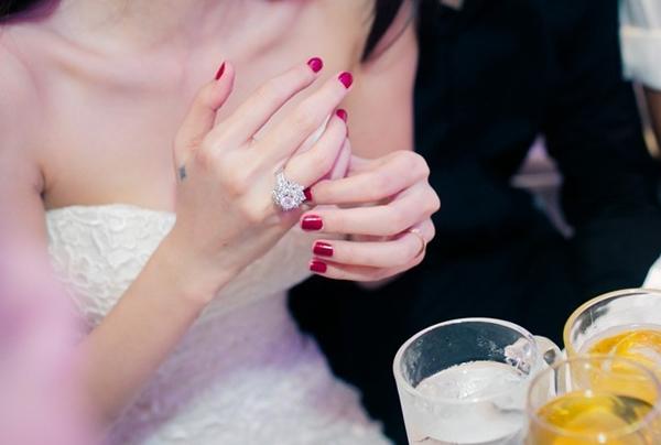 Người đẹp yêu đại gia Việt, ai có trang sức kim cương khủng hơn? - Ảnh 11.