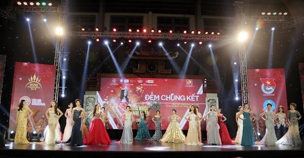 Toàn cảnh 25 thí sinh tham dự đêm chung kết Hoa khôi sinh viên Hà Nội 2016