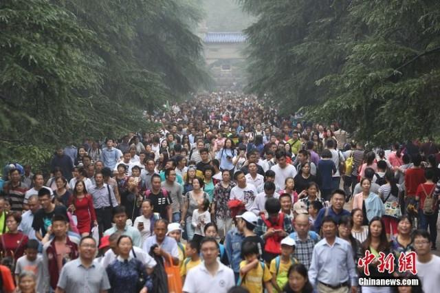 589 triệu người đổ xô đi du lịch trong tuần nghỉ lễ: Hãi hùng... - Ảnh 13.