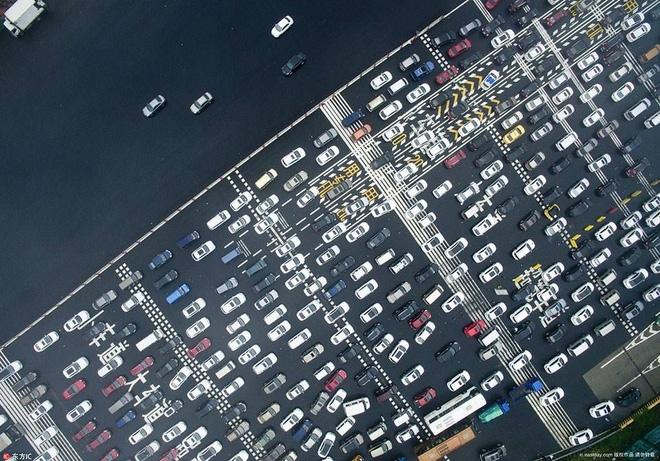 589 triệu người đổ xô đi du lịch trong tuần nghỉ lễ: Hãi hùng... - Ảnh 15.
