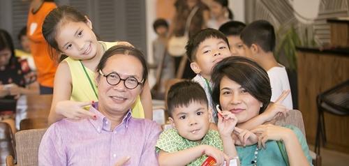 6 sao nam Việt làm đám cưới ở ngưỡng 50 tuổi - 9