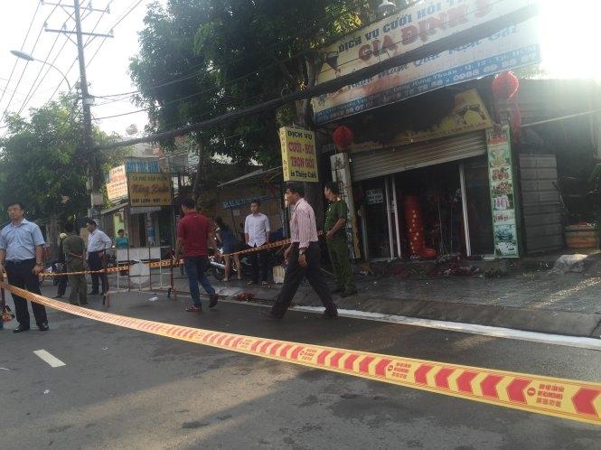 Cháy cửa tiệm dịch vụ cưới hỏi, ba người chết thảm