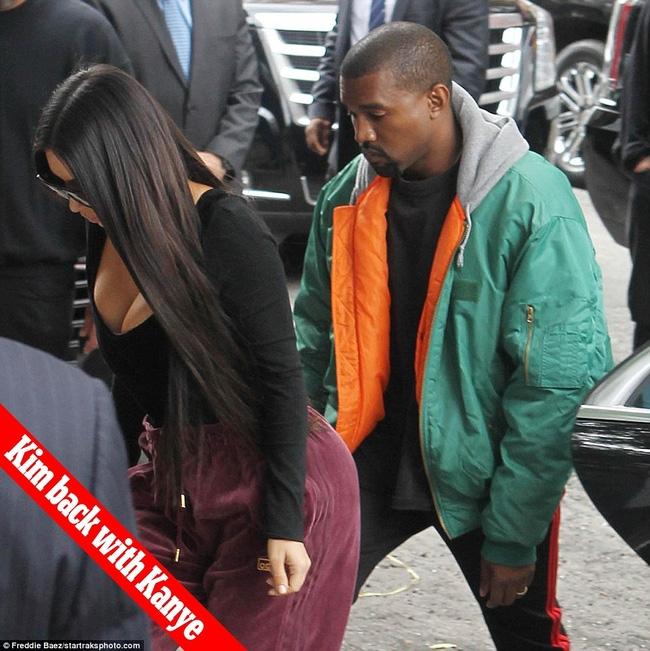 Kim Kardashian lo lộ tin nhắn, hình ảnh nhạy cảm với chồng trong hai chiếc điện thoại bị cướp - Ảnh 2.
