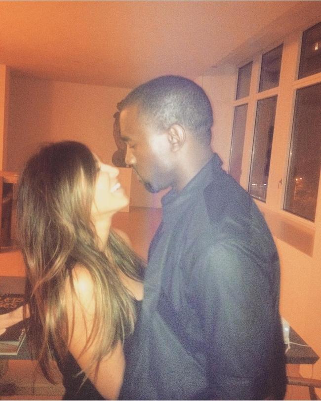 Kim Kardashian lo lộ tin nhắn, hình ảnh nhạy cảm với chồng trong hai chiếc điện thoại bị cướp - Ảnh 7.