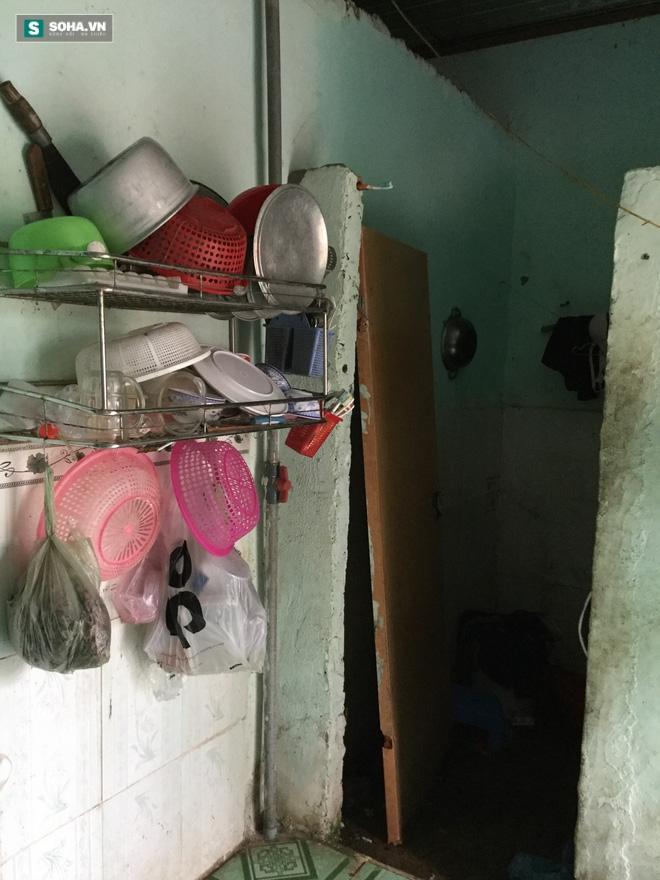 Một nhà có 3 chị em bị xâm hại tình dục, anh 21 tuổi kiếm tiền nuôi 4 em - Ảnh 2.