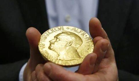 Kết quả hình ảnh cho Nobel Vật lý vinh danh 'bí mật các vật chất lạ'