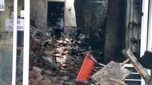 Sốc với hiện trường vụ cháy làm bé gái và bố mẹ tử vong - ảnh 6
