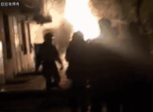 Trung Quốc: Nổ khu dân cư, 3 người bắn từ tầng 14 xuống đất chết thảm - Ảnh 8.