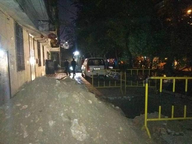 Trung Quốc: Nổ khu dân cư, 3 người bắn từ tầng 14 xuống đất chết thảm - Ảnh 11.
