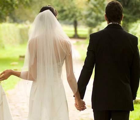 Image result for Bạn gái đòi hỏi nhiều về kinh tế trước khi cưới