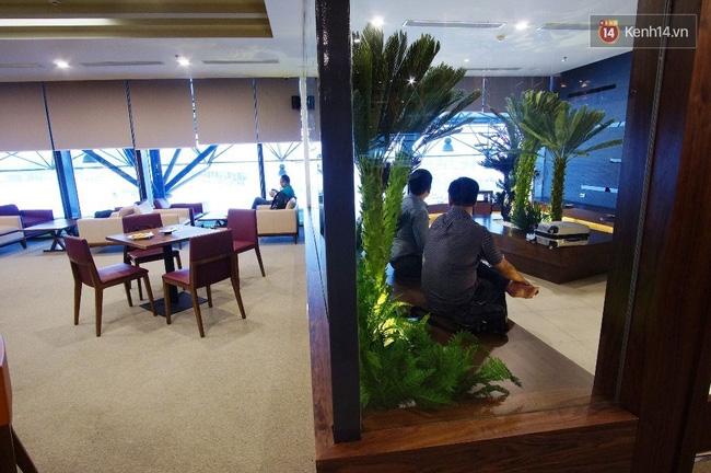 Cận cảnh phòng khách hạng thương gia của Vietnam Airlines ở sân bay Nội Bài - Ảnh 13.