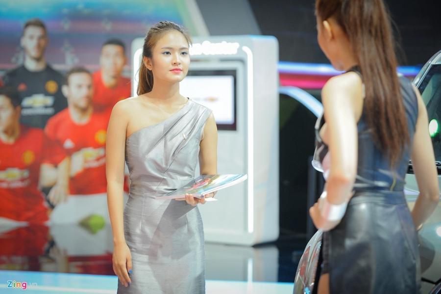 Dan chan dai tai Vietnam Motor Show 2016 hinh anh 7