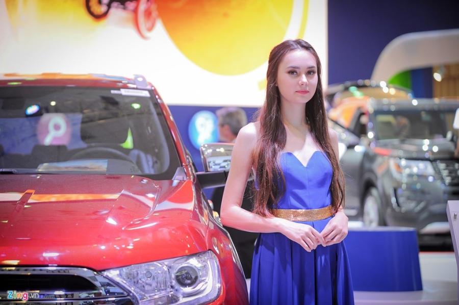 Dan chan dai tai Vietnam Motor Show 2016 hinh anh 8